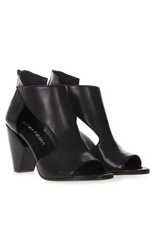 BLACK LEATHER ANKLE BOOTS SS 2019 STRATEGIA | 52 | A4004NATURALNERO
