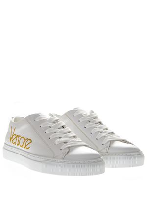 WHITE SNEAKERS WITH EMBROIDERED LOGO PE 2019 VERSACE | 87 | DSR611DDNA5PRK0AT