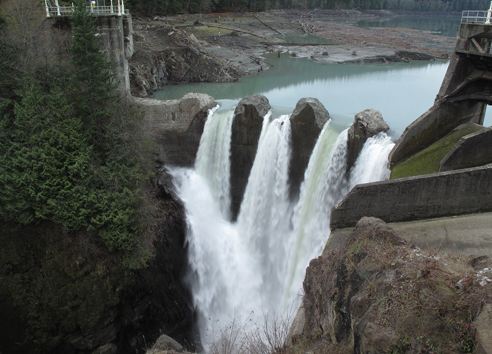 The Glines Canyon Dam during its removal