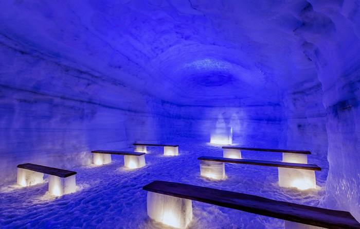 iceland-glacier-cave-3
