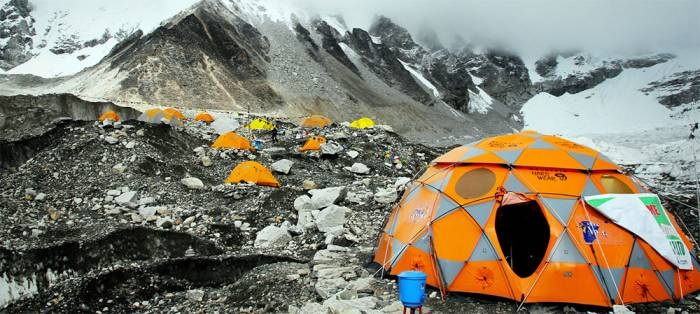Base-Camp-Earthquake-On-Mount-Everest