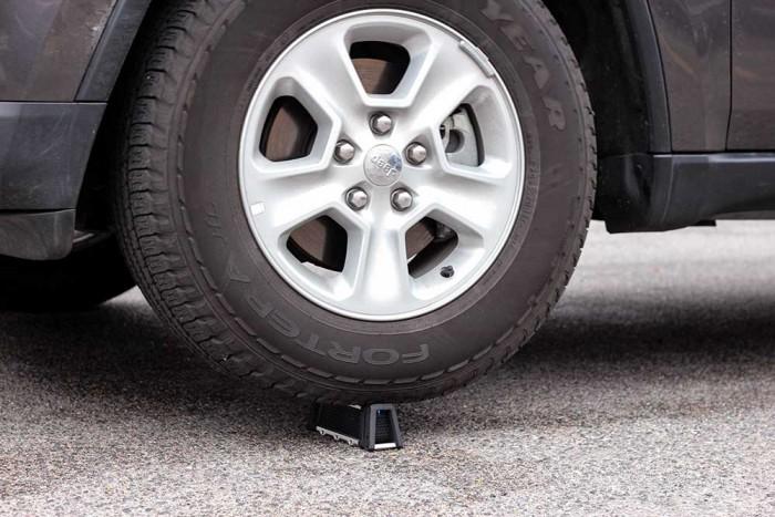 fugoo-under-tire