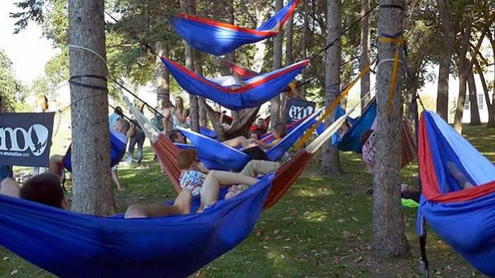 hammock-gathering-photo