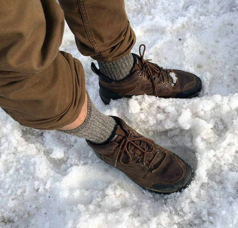 boots-in-snow