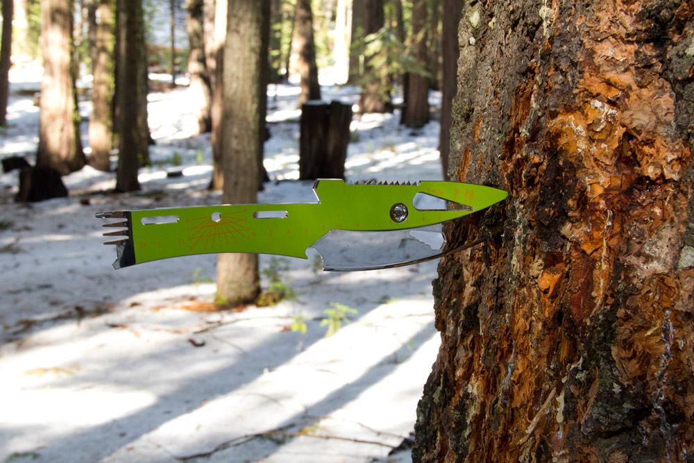 kniper knife tree-1