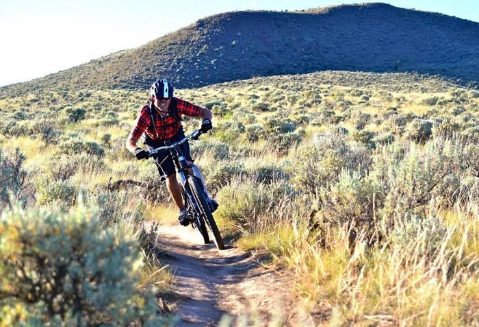 mountain-biker-on-trail
