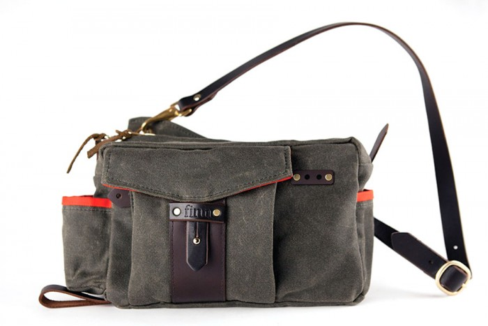 Finn Essex Side Bag