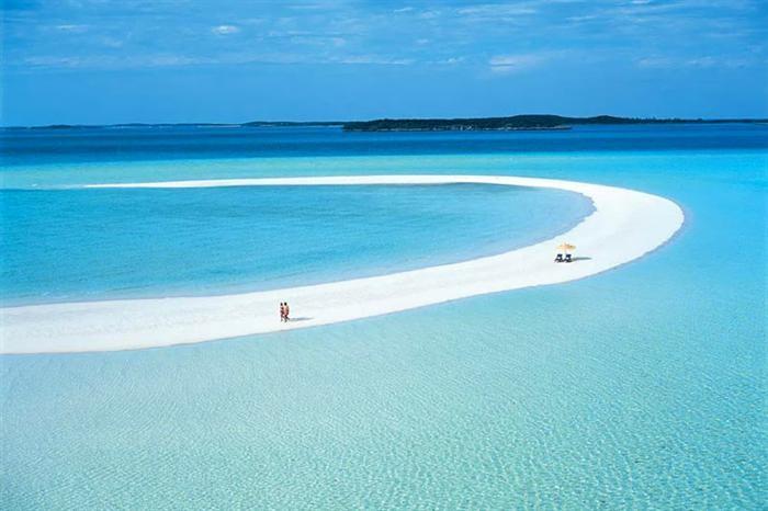 photo via Caribbean Villas