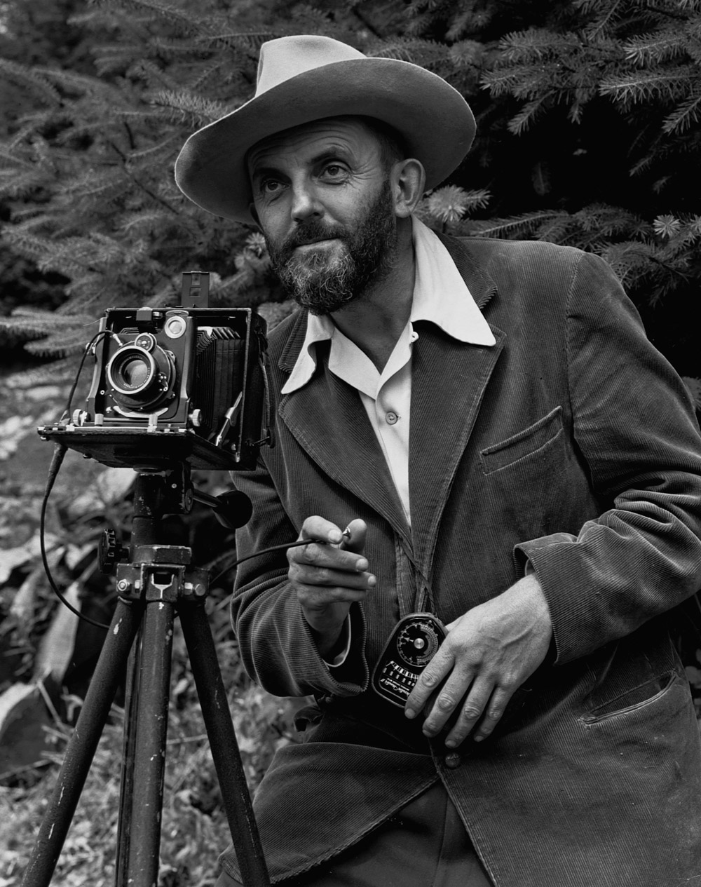 Ansel_Adams_and_camera-1