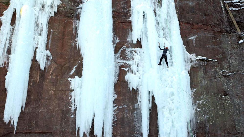 ice-climbing-in-minnesota
