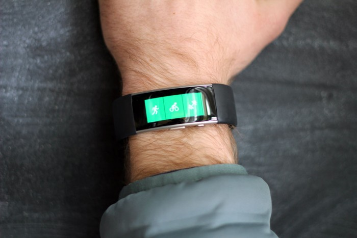 microsoft-fitness-band-on-arm