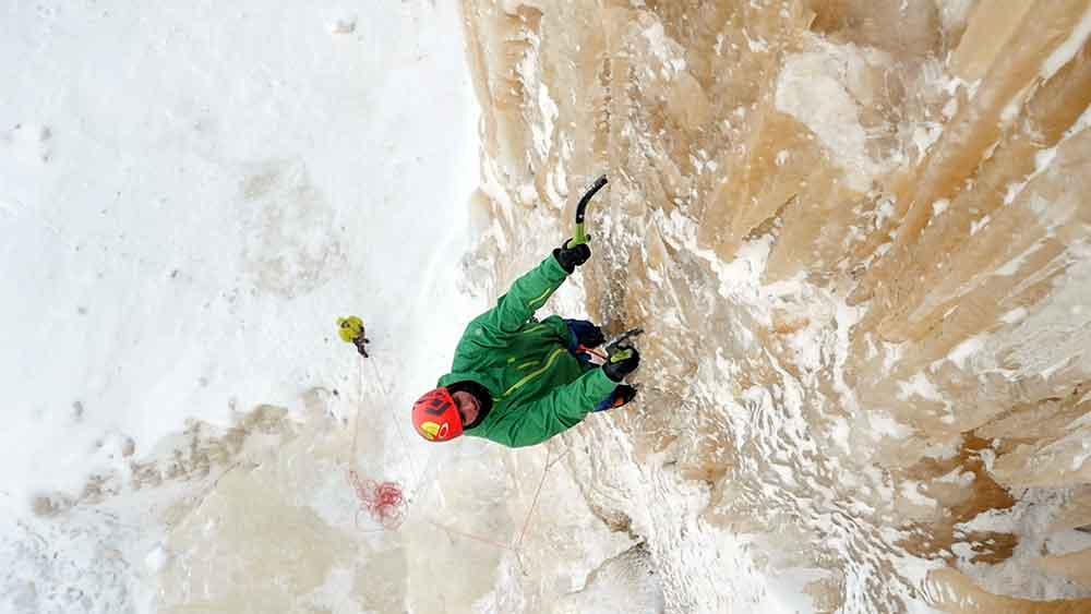michigan-ice-climbing