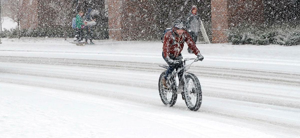 Winter Bike Commuting 12 Ride Safe Tips Gearjunkie