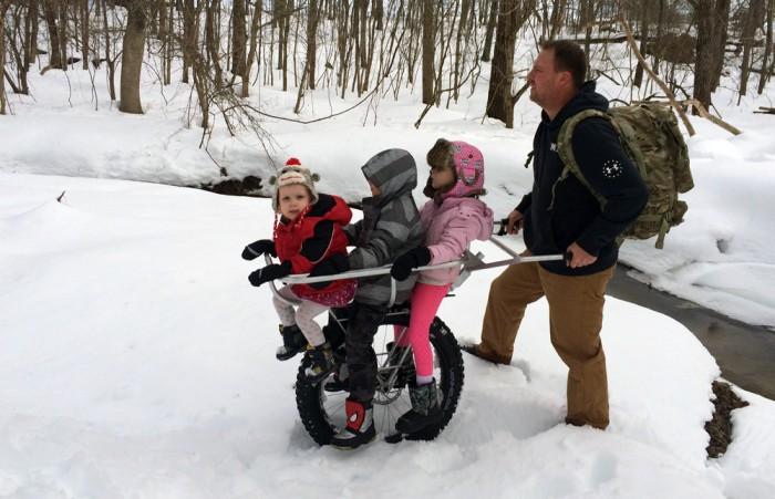 Honey badger wheel kid carry