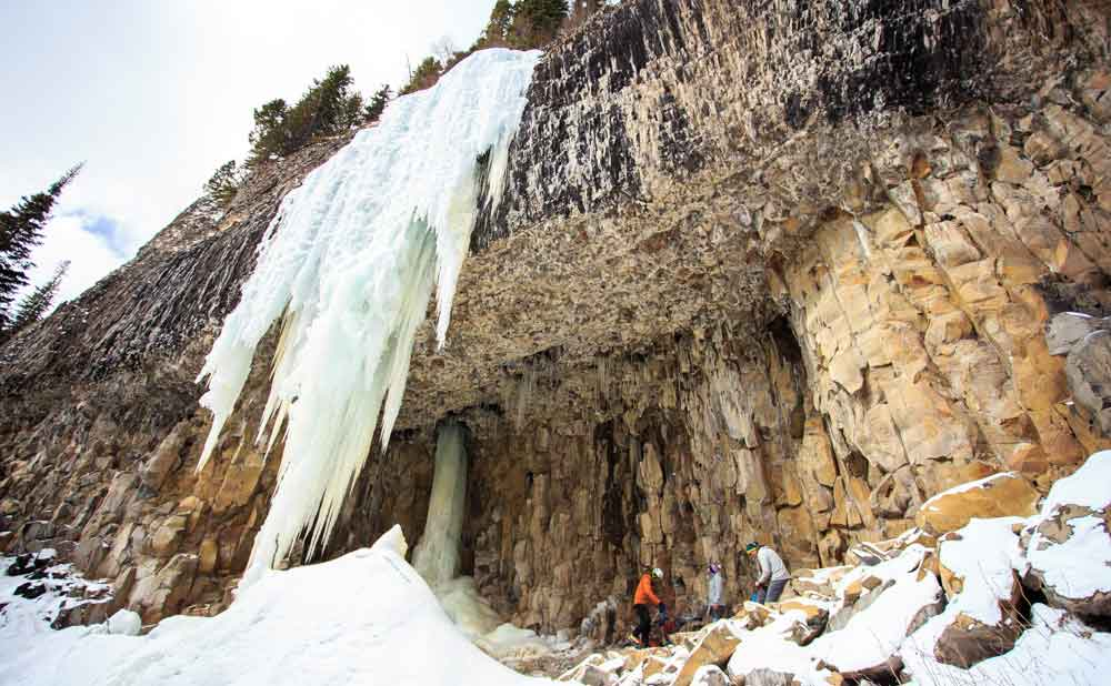 hyalite-canyon-ice-climbing