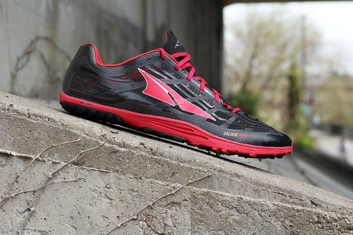 altra-spike-shoes