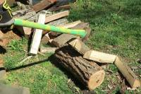 Video: You've Been Splitting Firewood All Wrong