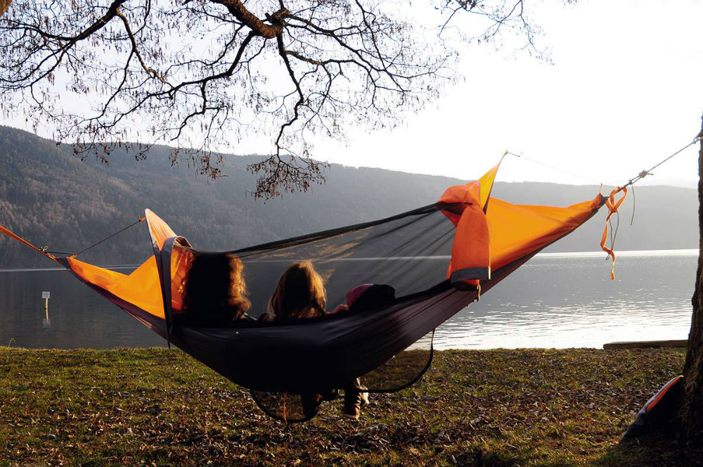 flying tent & Total Coverage: Wearable Hammock Is A Tent Too