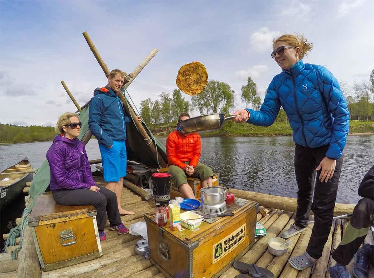 river vs the raft huckleberry finn