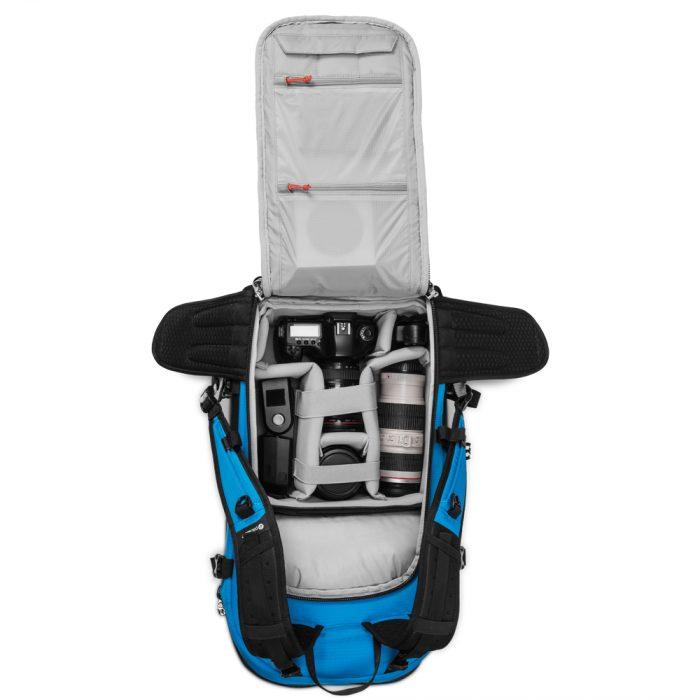 Venturesafe X40 PLUS_60420616_hawaiian blue_back access main compartment