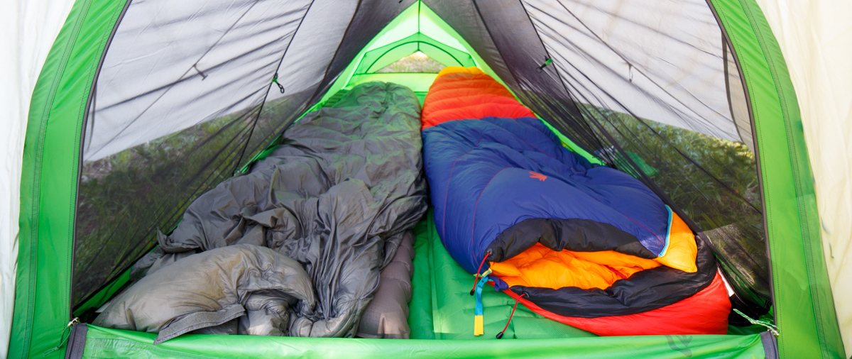 the sueno sleeping bag in tent