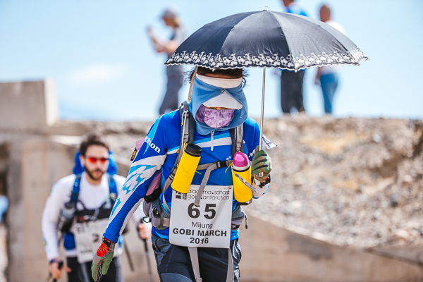 With temps passing 120 degrees, racers get creative to stay cool; photo Gobi March