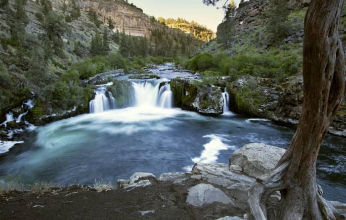 steelhead falls deschutes river