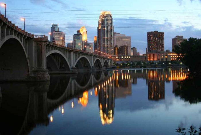 mississippi-river-in-minneapolis