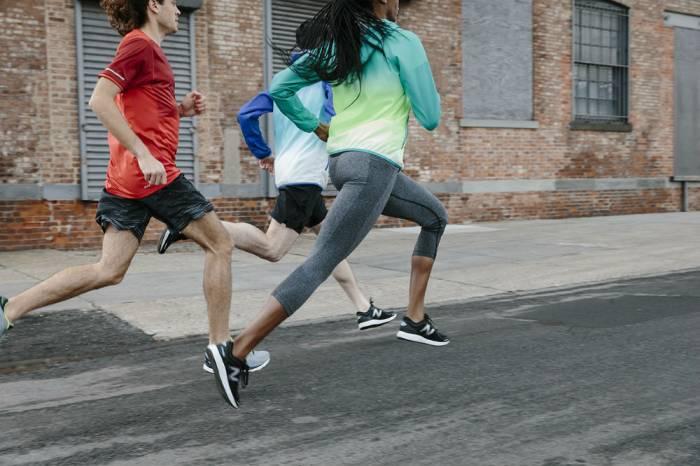 marathon-runners-new-balance