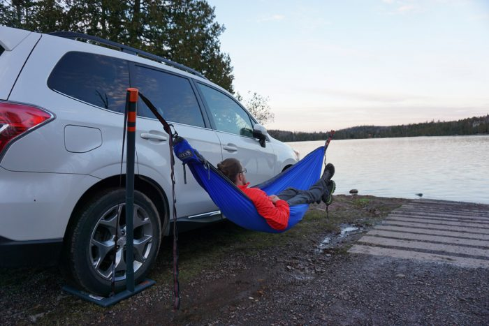 eno roadie hammock stand review gear junkies   no trees no problem  eno roadie hammock stand      rh   eaglesnestoutfittersinc