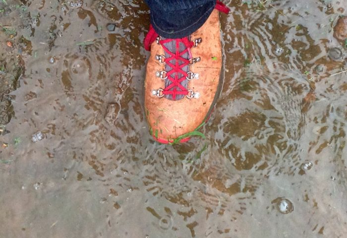 danner-mountain-600-puddle