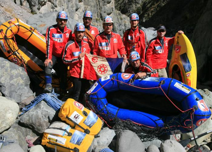 eugene buchanan's kayak team in cruz del condor