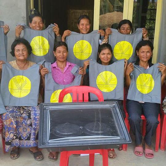 solavore-oven-women-cambodia