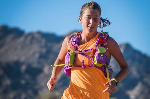 courtney dauwalter racing the javelina jundred 100k photo courtesy of sweetm images