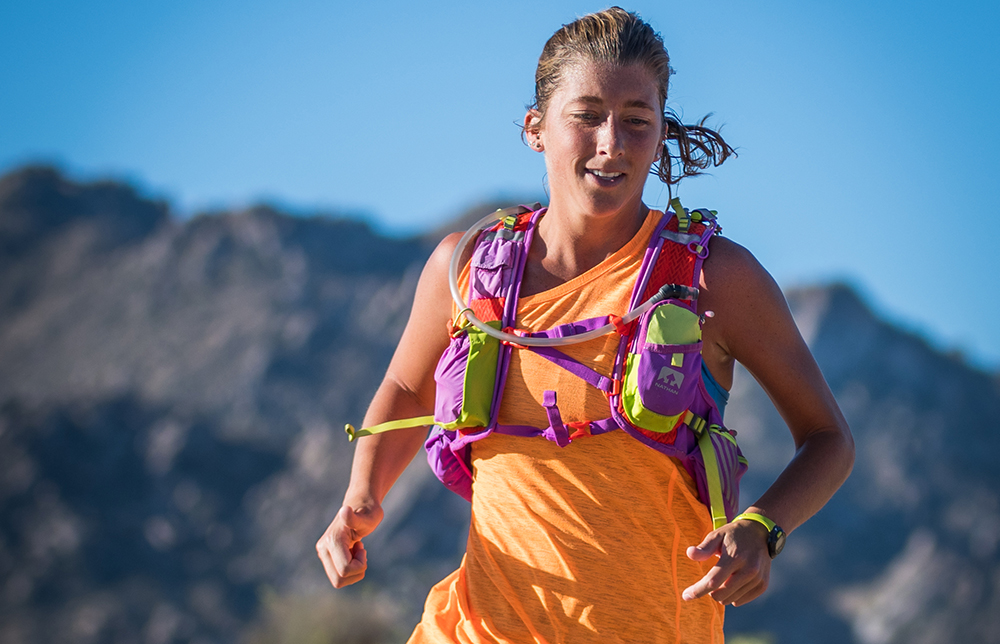 courtney dauwalter racing the javelina jundred 100k photo courtesy of sweetm images