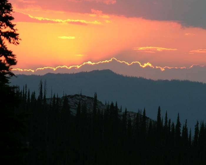 scotchman-peaks-dusk