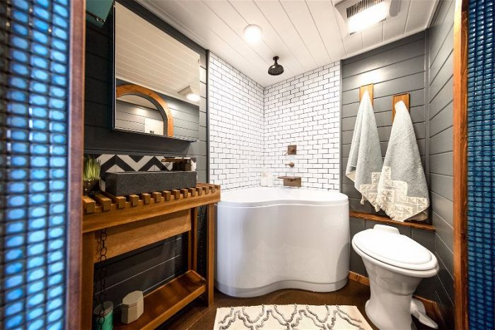tiny-home-bathroom