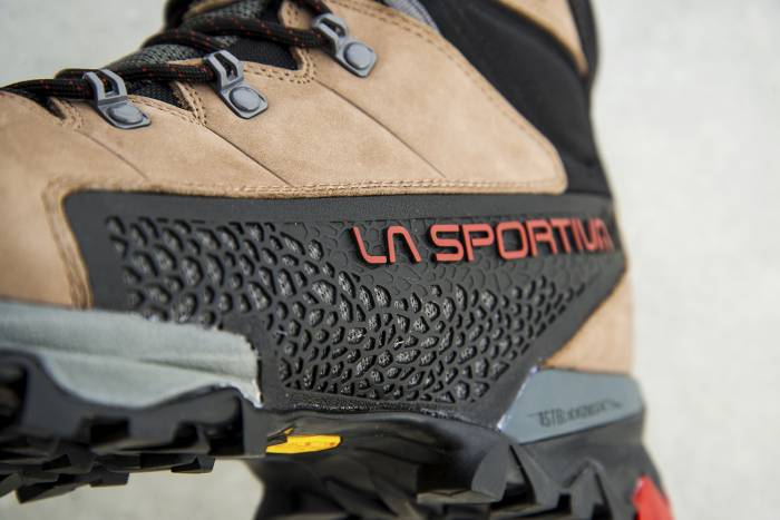 close up la sportiva nucleo gore tex boots