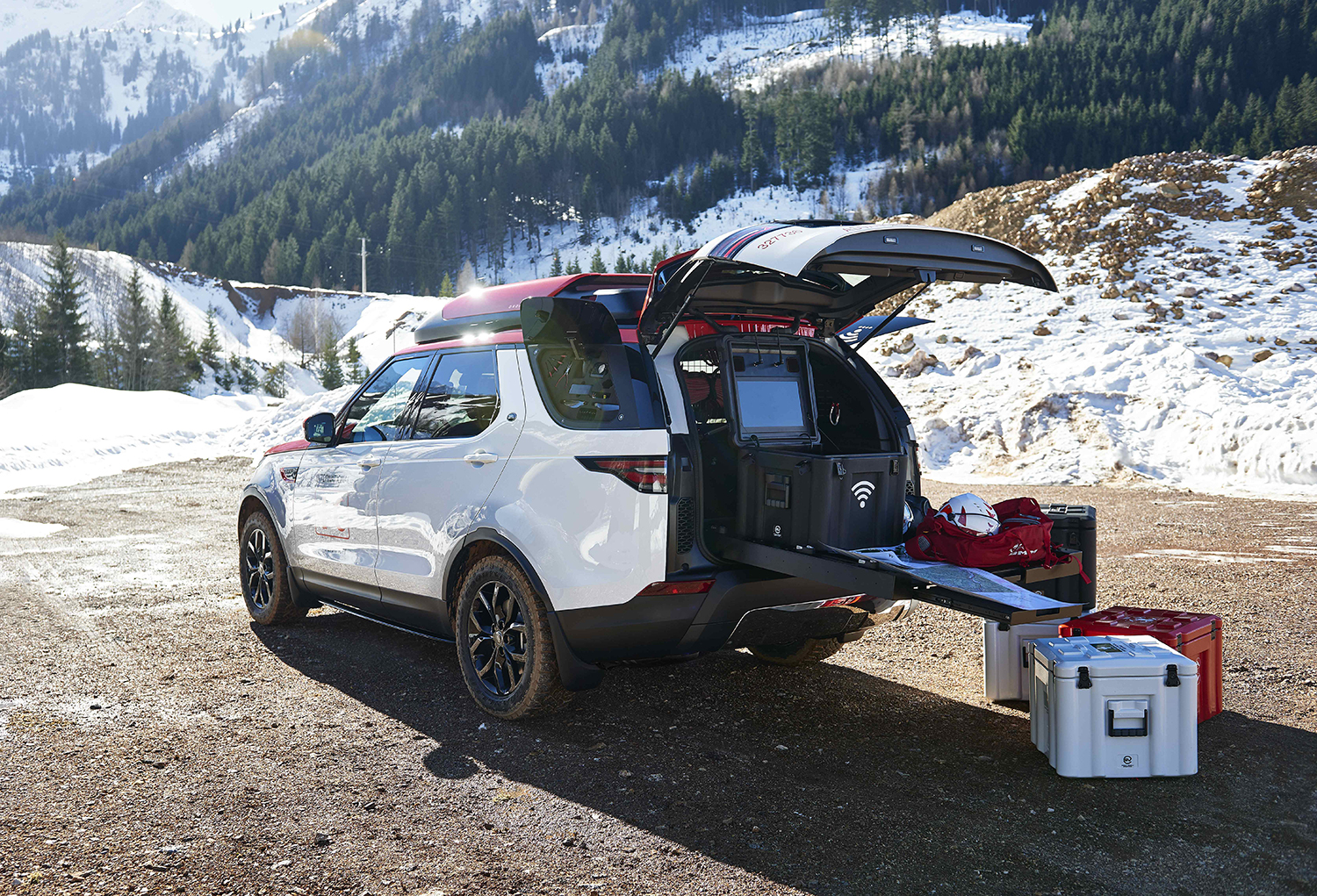 Search & Rescue Land Rover Deploys Drone From Roof