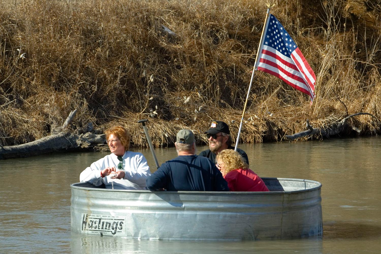 Nebraska Tanking float in livestock tank