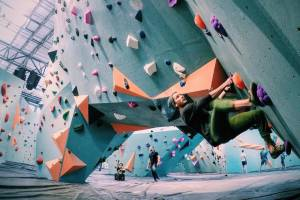 bouldering trend on rise Minneapolis Bouldering Project