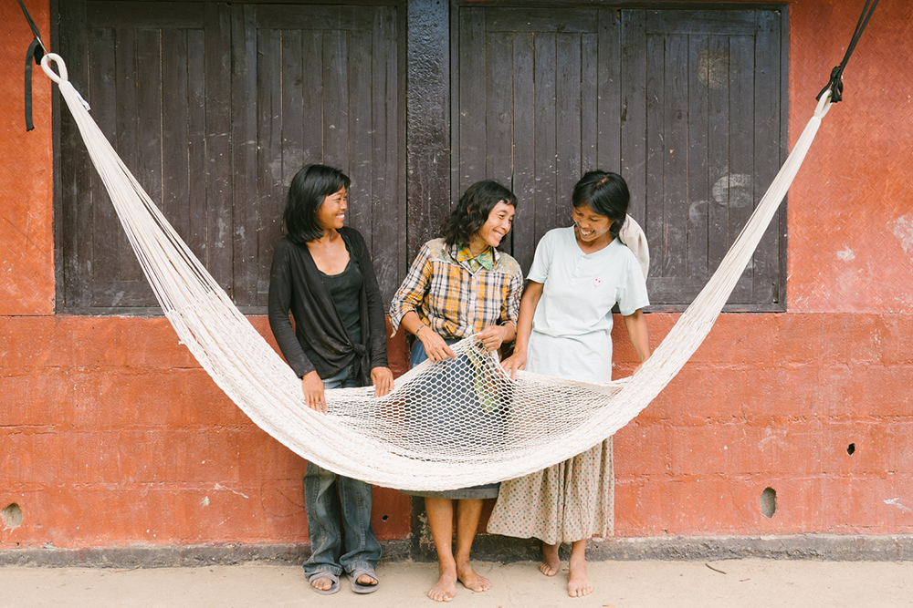 yellow leaf hammocks women weavers