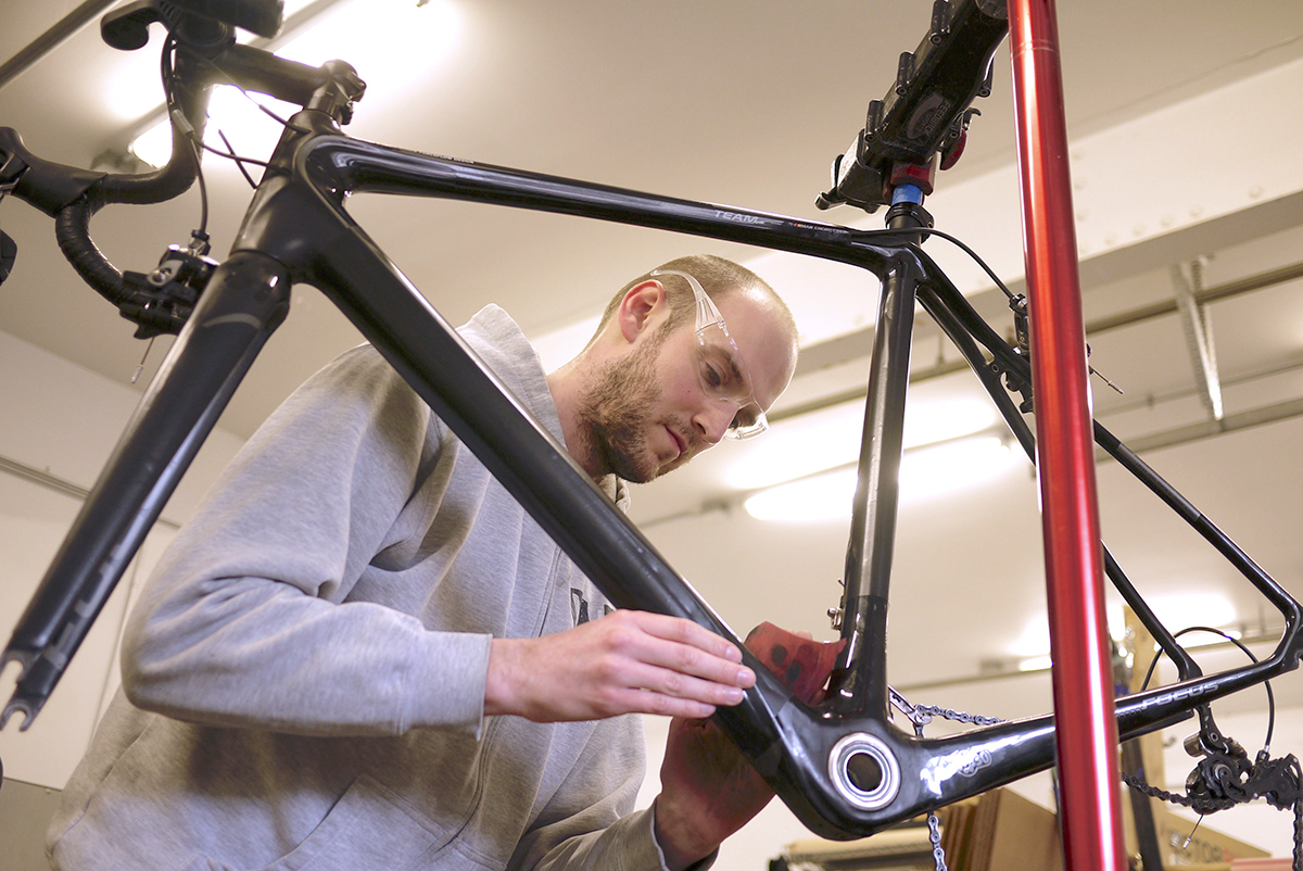 Carbon Fiber Bikes >> Carbon Bike Repair Is Not A Myth Gearjunkie