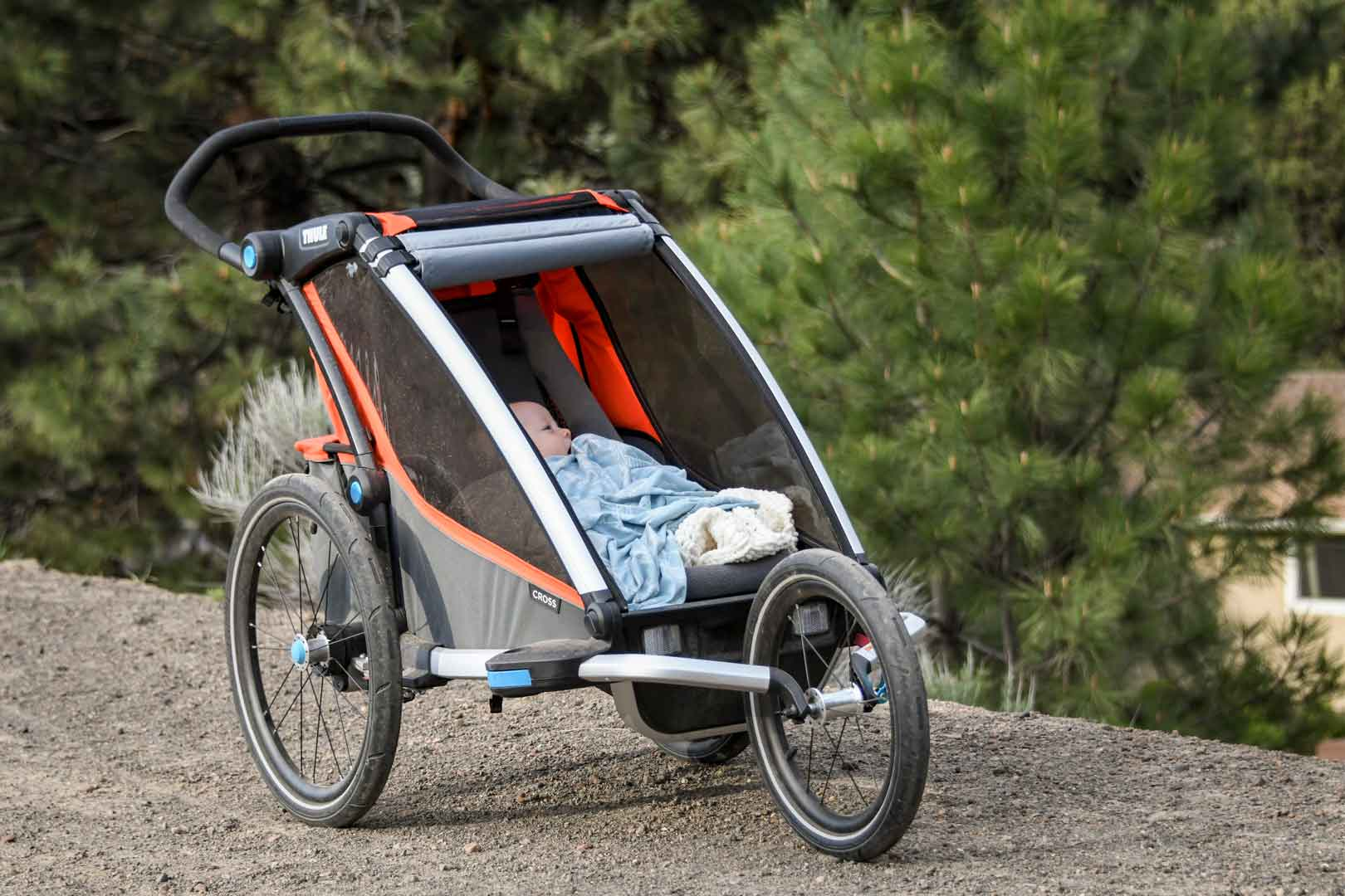 first look thule chariot cross modular stroller. Black Bedroom Furniture Sets. Home Design Ideas