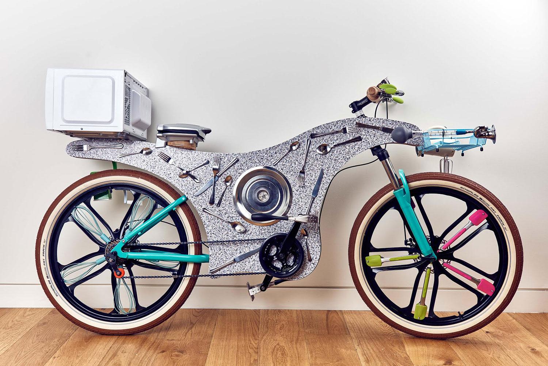 Street Kitchen: This 'Upcycled Bike' Has 34 Utensils ...