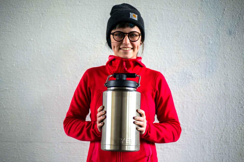 yeti rambler jug one gallon
