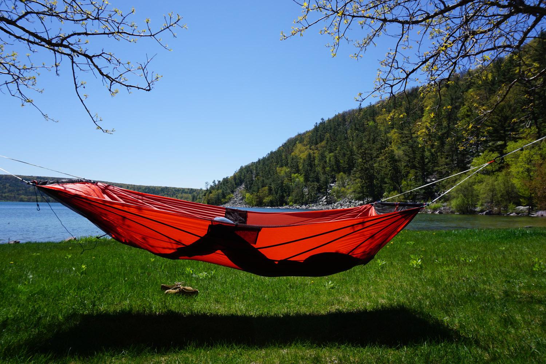 lay flat in the rei quarter dome air hammock tent rei u0027s new  u0027qd air u0027 hammock tent put to test  rh   gearjunkie