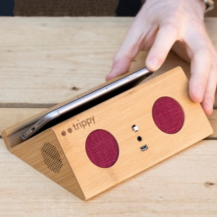 trippy bluetoothless speaker