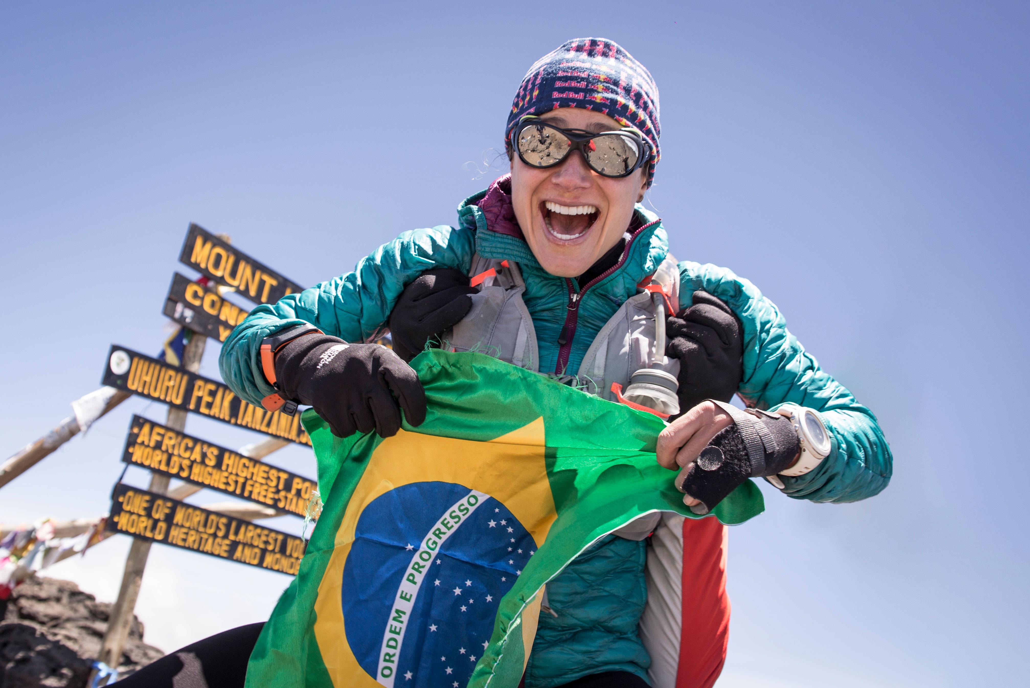 kilimanjaro-womens-fkt-flag-summit-fernanda