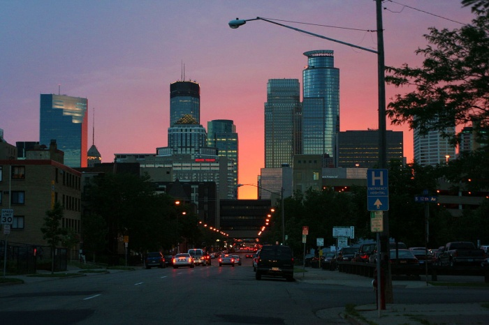 minneapolis downtown street twilight